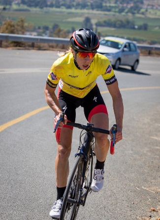 Denmark's Annika Langvad en route to victory in the final stage of the Bestmed Tour of Good Hope above Paarl today. Photo: Warren Elsom/Capcha