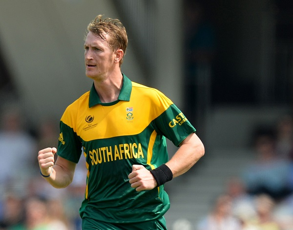 Chris Morris has been ruled out of cricket for up to two months with a left knee injury. Photo: AFP