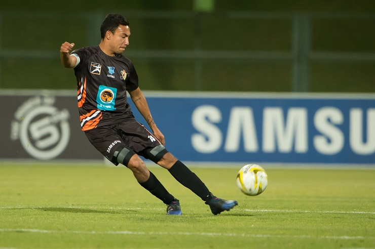 University of Johannesburg captain Dane Fortuin marshalled his troops well to lead them to a 1-0 win over UP-Tuks in the Varsity Football competition last week.