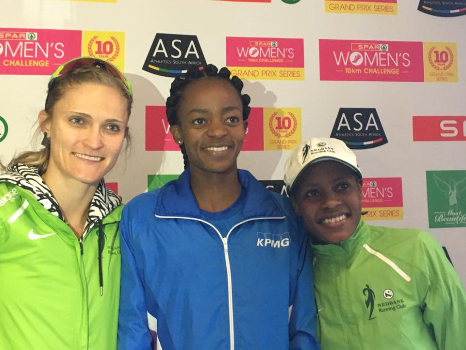 Kesa Molotsane (centre) won the SPAR Women's Challenge in Pietermaritzburg today with Rotendo Nyahora (right) in second and Irvette van Zyl (left) in third