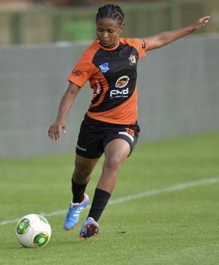 University of Johannesburg and Banyana Banyana midfielder Amanda Dlamini in action during the inaugural Varsity Football series. Photo: Wessel Oosthuizen / SASPA