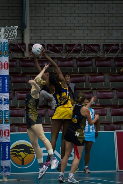 SPAR Madibaz goalkeeper Jeanie Steyn (left) is looking forward to the remainder of the Varsity Netball competition after they got off to a winning start this weekend.