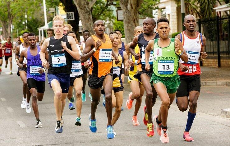 Jerry Motsau and Anuscha Nice won the Eden Street Mile in Oudtshoorn yesterday. Photo: Hans van der Veen